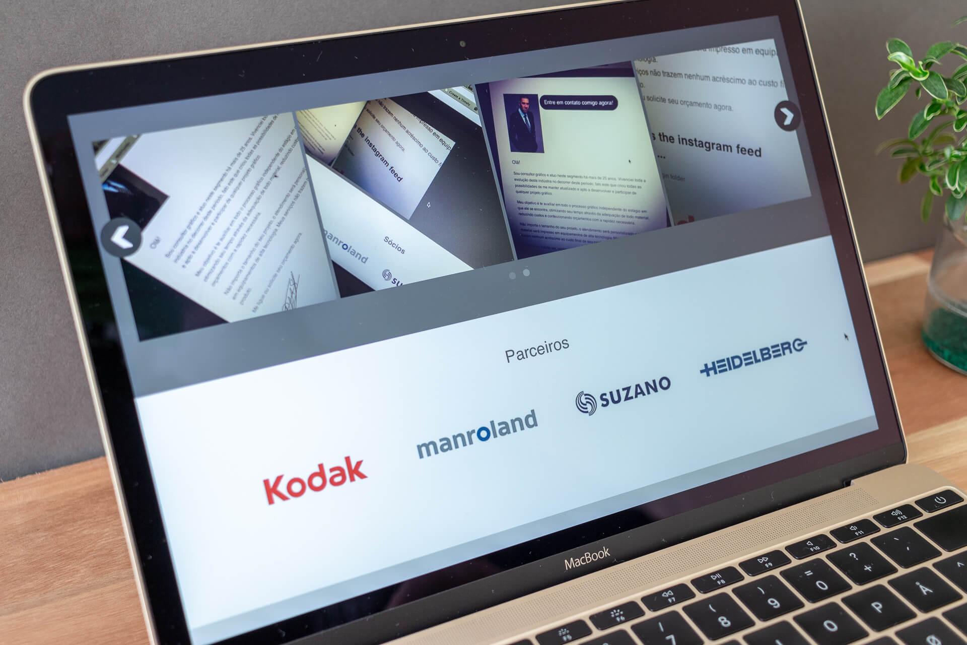 Instagram slideshow and partners logos.